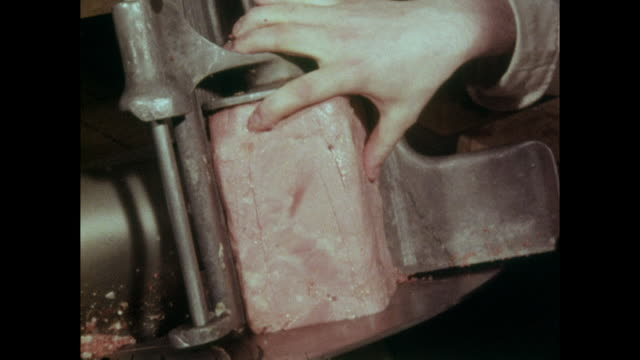 corned beef being sliced on a unhygienic slicer; 1973 - block shape stock videos & royalty-free footage