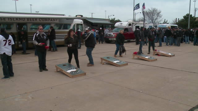 wgn cornhole games at white sox home opener tailgate at guaranteed rate field on april 5 2018 - heckklappe teil eines fahrzeugs stock-videos und b-roll-filmmaterial