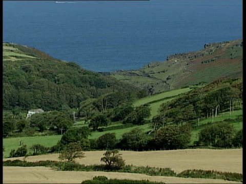 boscastle: ext tgv town of boscastle as seen from top of hill tgv wooded ravine tgv flooded village tgv remains of inland car park with a few cars... - top of the pops stock videos & royalty-free footage