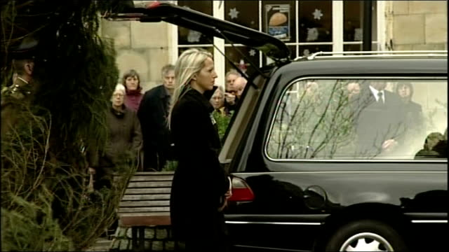 cornwall truro cathedral int pallbearers carry the flagdraped coffin of staff sergeant olaf schmid to cathedral for funeral service side shot... - eulogy stock videos & royalty-free footage