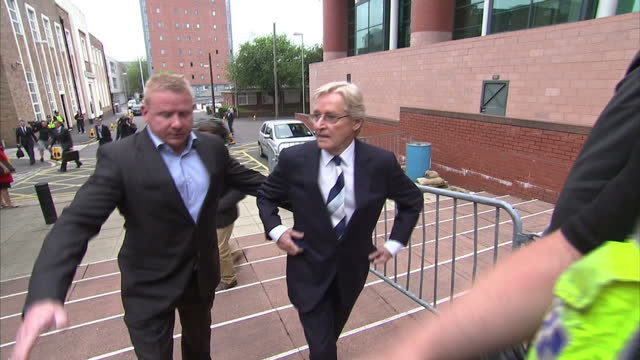 coronation street actor william roach arrival and departure from preston crown court william roache charged with five indecent assaults on four girls... - ウィリアム・ローチ点の映像素材/bロール