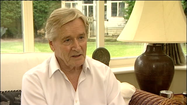 coronation street actor william roache apologises for comments on sex abuse victims int william roache interview sot i would never say that victims... - ソープオペラ点の映像素材/bロール