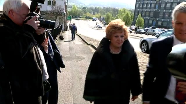 coronation street actress barbara knox pleads 'not guilty' to drinkdriving charge england cheshire macclesfield macclesfield magistrates' court ext... - コロネーションストリート点の映像素材/bロール