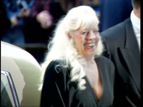 stockvideo's en b-roll-footage met bet lynch to return lib wembley goodyear arriving at national television awards zoom in - soapserie
