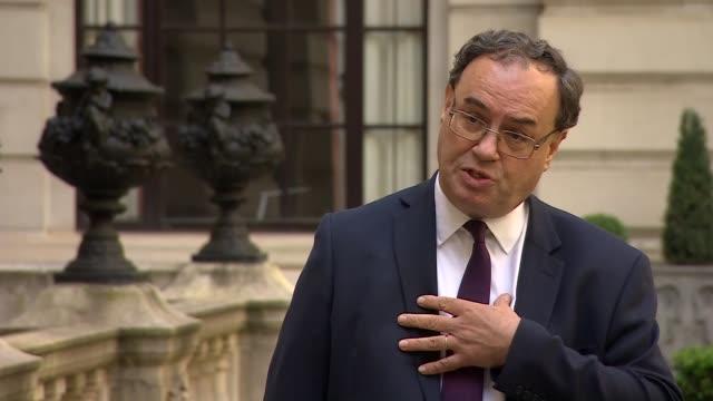 bank of england governor andrew bailey interview england london city of london bank of england ext andrew bailey interview continued sot re recession... - バンク オブ イングランド点の映像素材/bロール