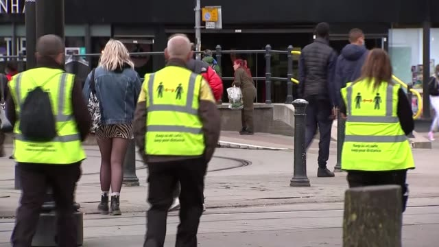 boris johnson threatens to intervene in manchester if no restrictions agreement reached england manchester ext various shots of busker performing in... - jacket stock videos & royalty-free footage