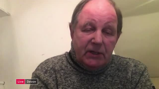 vidéos et rushes de captain sir tom moore dies aged 100; england: london: gir: int sir michael morpurgo live 2-way interview from devon and ellie orton live 2-way... - michael morpurgo