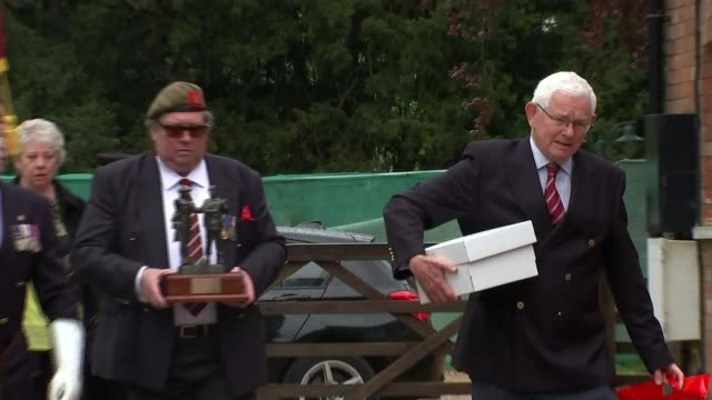 captain tom moore celebrates 100th birthday england bedfordshire two shot captain tom moore interviewed by reporter sot tom moore holds up birthday... - captain tom moore stock videos & royalty-free footage