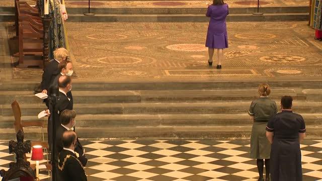 commemoration service at westminster abbey - alternate angle; ** organ music heard over following ** england: london: westminster abbey: int helena... - イングランド南東部点の映像素材/bロール