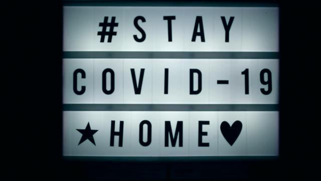 stockvideo's en b-roll-footage met coronavirus, covid-19 - bord bericht