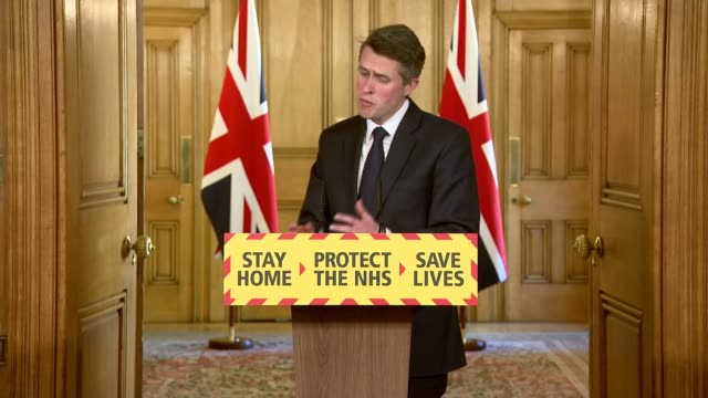 stockvideo's en b-roll-footage met downing street press conference april 19th; gavin williamson mp and dr jenny harries press conference. clip 9 of 12 england: london: downing street:... - number 9