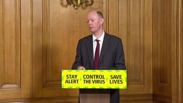 vidéos et rushes de downing street press conference june 10th england london westminster downing street int sir patrick vallance chris whitty and boris johnson mp... - processus biologique