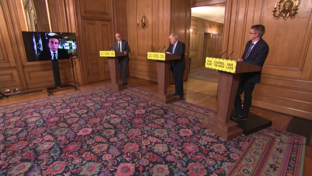 downing street press conference june 16th - cutaway angle; england: london: westminster: downing street: 10 downing street: int press conference part... - itv news at one点の映像素材/bロール