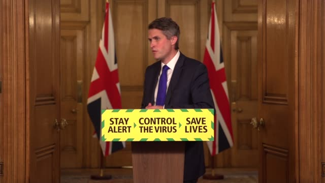downing street press conference june 19th england london westminster downing street int press conference part 7 of 7 gavin williamson mp question and... - tourist resort stock videos & royalty-free footage