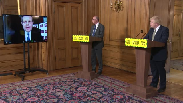 downing street press conference may 24th - cutaways; england: london: westminster: downing street: int press conference part 5 of 9 cutaways of boris... - ため息点の映像素材/bロール