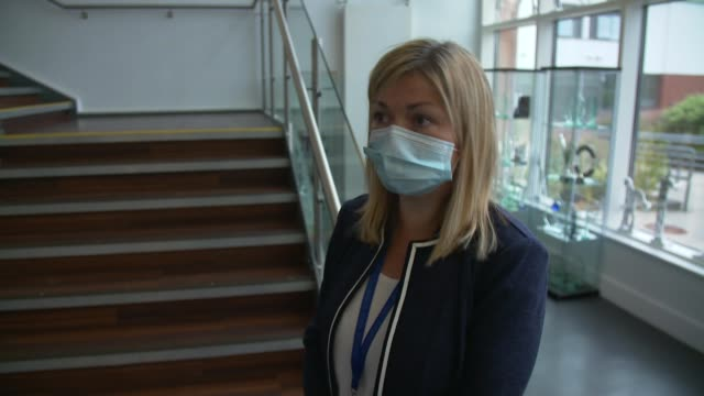 vidéos et rushes de face mask rules in scotland and northern ireland secondary schools come into force; scotland: gourock: st columba's high school: int various shots of... - écosse