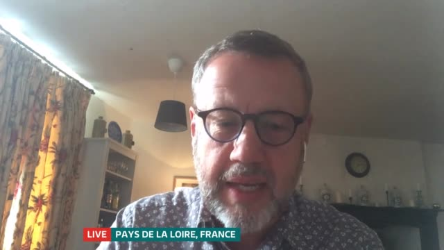 government announces rescue package for the arts england london gir int kwame kweiarmah 2 way interview from north london and craig hassall 2 way... - politics stock-videos und b-roll-filmmaterial