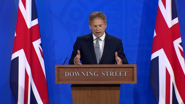 grant shapps announces countries on the government's green list for travel; england: london: downing street briefing room: int grant shapps mp press... - travel stock videos & royalty-free footage