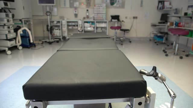 how epsom and st helier university hospitals nhs trust is fighting the disease england surrey epsom general hospital int empty operating theatre... - bay of water stock videos & royalty-free footage