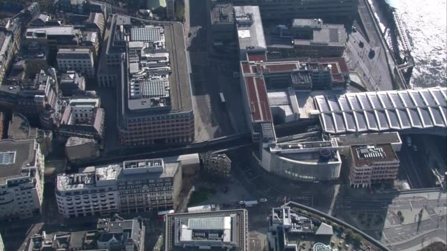 london aerials during lockdown; england: london: ext ** filmed during coronavirus shutdown ** air views / aerials quiet central london including... - silence stock videos & royalty-free footage