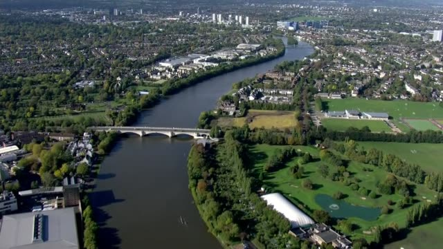 london, essex and york among areas to move up to 'high alert' tier 2 restrictions; england: london: ex air view views of london and river thames - river thames stock videos & royalty-free footage