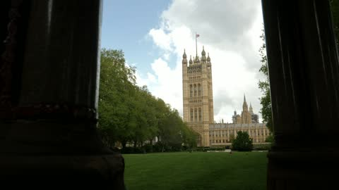 stockvideo's en b-roll-footage met national audit office says uk covid response cost £372bn; england: london: int gareth davies interview sot westminster: view of victoria tower at... - victoria tower
