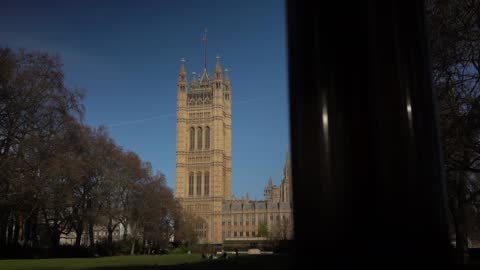 national lockdown ends from midnight ahead of new 3 tier system; england: london: westminster: houses of parliament: int sir iain duncan smith mp... - smith tower stock-videos und b-roll-filmmaterial