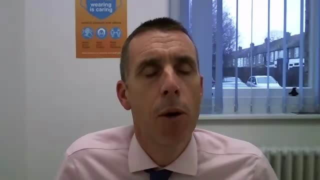 stockvideo's en b-roll-footage met new cases in uk continue to rise as doctors warn of hospitals 'at breaking point'; england: london: int matthew kershaw 2 way interview via internet... - new not politics