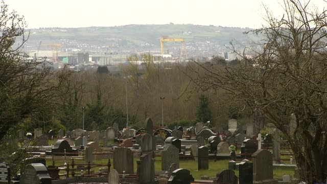 vídeos de stock e filmes b-roll de northern ireland's funeral traditions threatened northern irelandbelfast ext brenda doherty interview sot various of cemetery where ruth burke was... - belfast