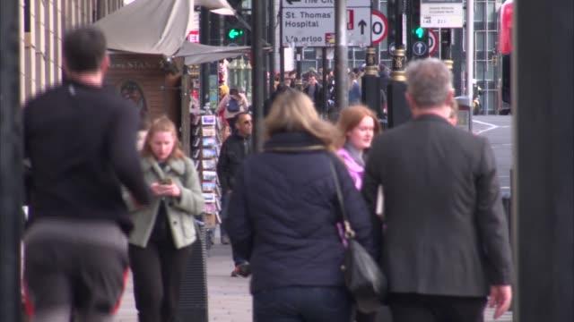 quiet westminster tourist sites; uk, london: gvs relatively quiet westminster tourist sites during coronavirus crisis. england: london: westminster:... - pelican stock videos & royalty-free footage