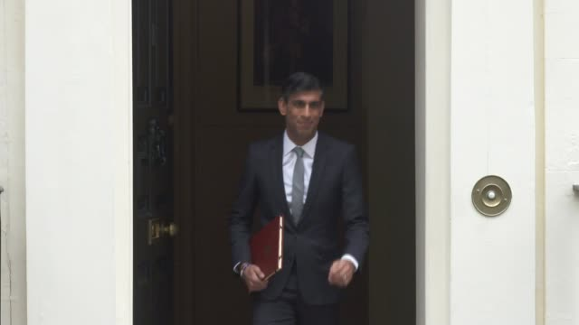 rishi sunak announces measures aimed at reducing job losses as furlough scheme ends england london wagamama rishi sunak mp along towards with plates... - plate stock videos & royalty-free footage