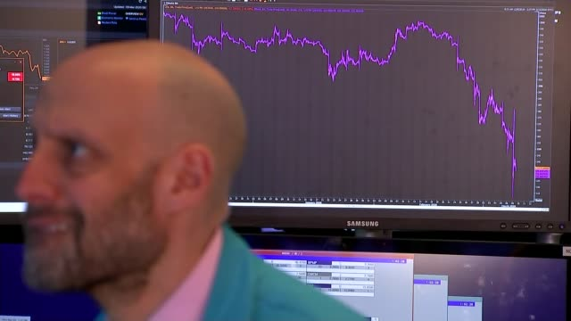 shares plunge in worst day for markets since financial crisis usa new york new york stock exchange int various shots of stock traders and screens... - borsa di new york video stock e b–roll