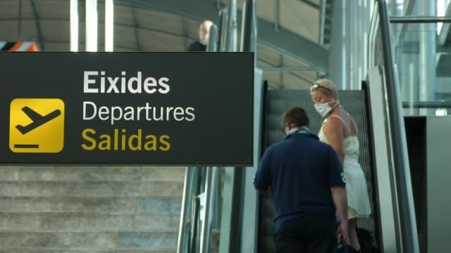 spain opens its borders for international visitors spain valencian community alicante alicante airport ext general views ryanair planes along as... - ライアンエアー点の映像素材/bロール