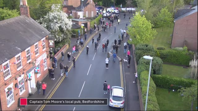week six of 'clap for carers' marked across uk; ** intermittent graphics on screen ** england: bedfordshire: marston moretaine: ext high angle shot... - keir starmer stock videos & royalty-free footage