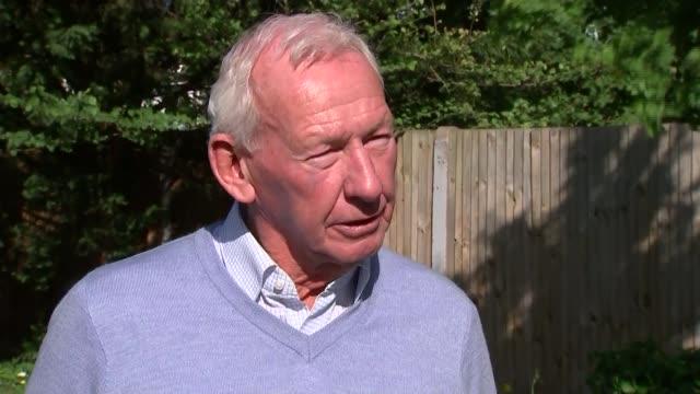 vídeos de stock e filmes b-roll de corruption scandal: sepp blatter re-elected as fifa president; england: ext bob wilson interview sot - bob wilson futebol
