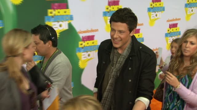 cory monteith at the nickelodeon's 2011 kids' choice awards arrivals at los angeles ca - cory monteith stock videos and b-roll footage