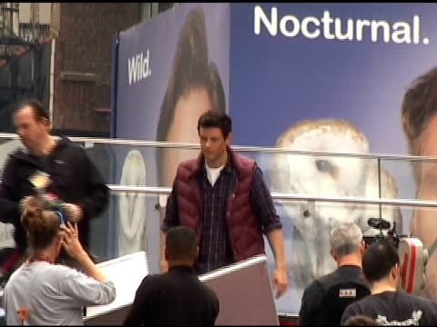 cory monteith belts out a song while filming the season finale of 'glee' in times square in new york 04/28/11 - cory monteith stock videos and b-roll footage