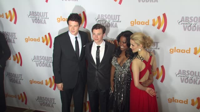 cory monteith chris colfer amber riley dianna agron at the 2010 glaad media awards at century city ca - cory monteith stock videos and b-roll footage