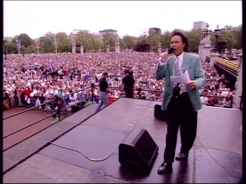 botox warning; lib ext singer, cliff richard, performing at queen's jubilee celebrations - cliff richard stock videos & royalty-free footage