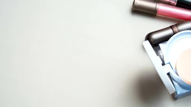 化粧品 - フェイスブラシ点の映像素材/bロール