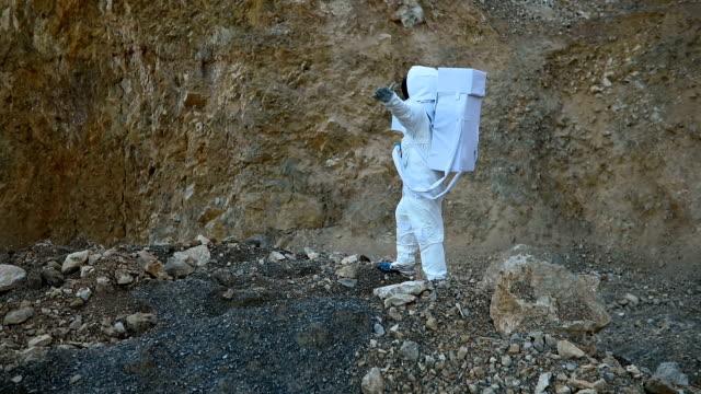 Cosmonaut conquering Mars