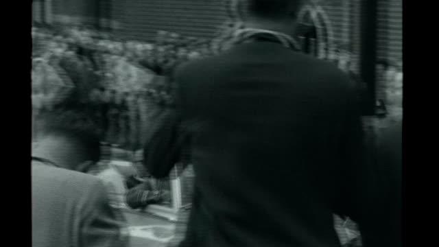 Cosmonaut Yuri Gagarin to be honoured with statue in London July 1961 Yuri Gagarin waving to crowd from opentop car