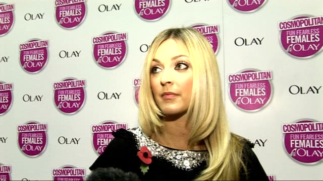 vídeos de stock, filmes e b-roll de cosmopolitan ultimate woman of the year awards 2009 arrivals and interviews cotton interview sot on the awards ceremony was mind blowing / on loving... - trepadeira