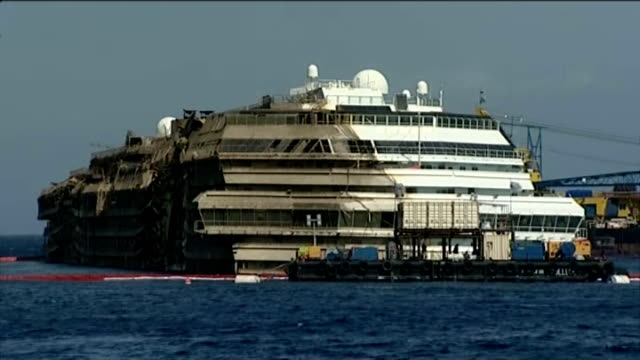 costa concordia ferry disaster: underwater video; september 2013: long shots of wreckage of costa concordia - passenger craft stock videos & royalty-free footage