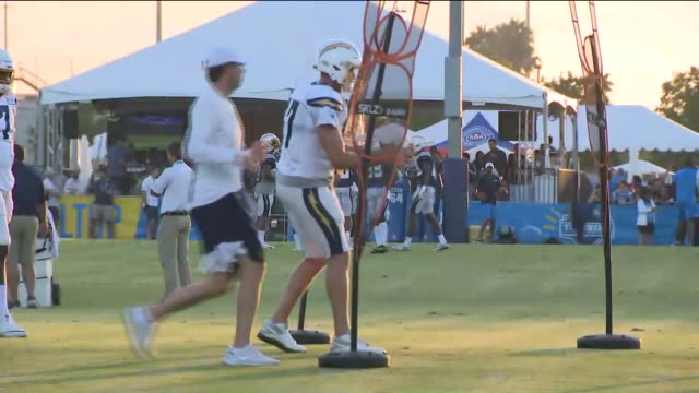 costa mesa, ca, u.s. - los angeles chargers training camp, on monday, august 12, 2019. - costa mesa stock videos & royalty-free footage