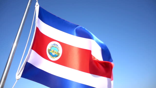 bandiera della costa rica - costa rica video stock e b–roll