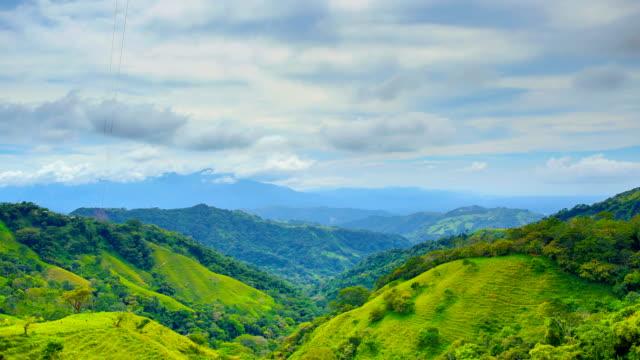 stockvideo's en b-roll-footage met costa ricaans platteland - costa rica