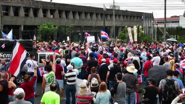 costa ricans protest against austerity policies promoted by the government to contain public spending amid the covid-19 pandemic, asking for a... - home finances stock videos & royalty-free footage