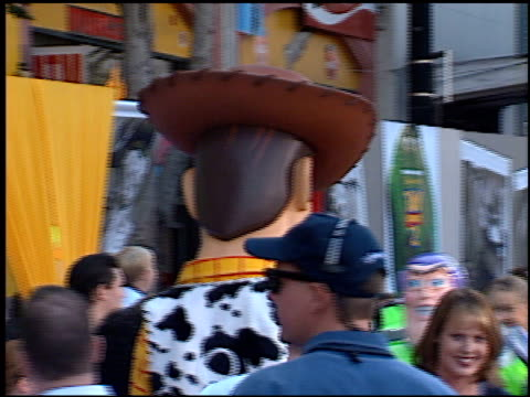 costume characters at the 'toy story 2' premiere at the el capitan theatre in hollywood california on november 13 1999 - el capitan theatre stock videos & royalty-free footage