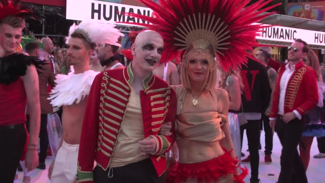 costumed guests arrives for the life ball 2019 at city hall on june 8 2019 in vienna austria - vienna city hall stock videos & royalty-free footage